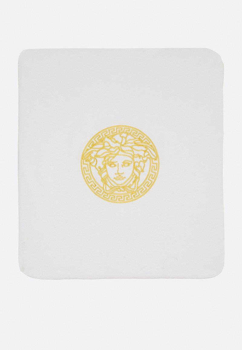 Versace - OUTDOOR BLANKET PLAIN  BAROQUE KIDS MEDUS - Couverture pour bébé - white/gold