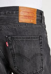 Levi's® - 501® SLIM TAPER - Jeans Tapered Fit - just grey - 5