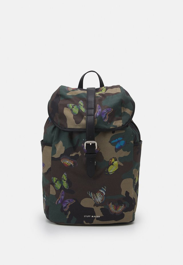 QUEENS WAY BACKPACK - Batoh - camo