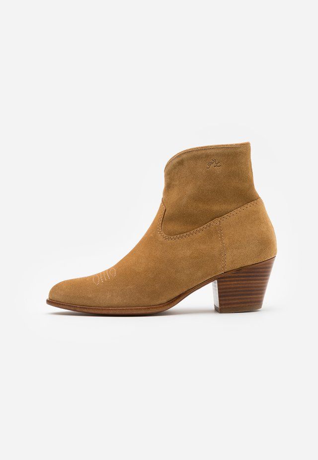 LUCILLE BOOTS CASUAL - Cowboy/biker ankle boot - caramel