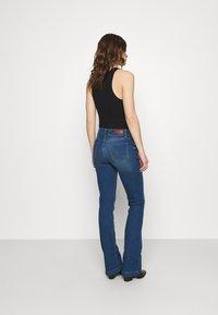 LTB - FALLON - Flared Jeans - talia wash - 2