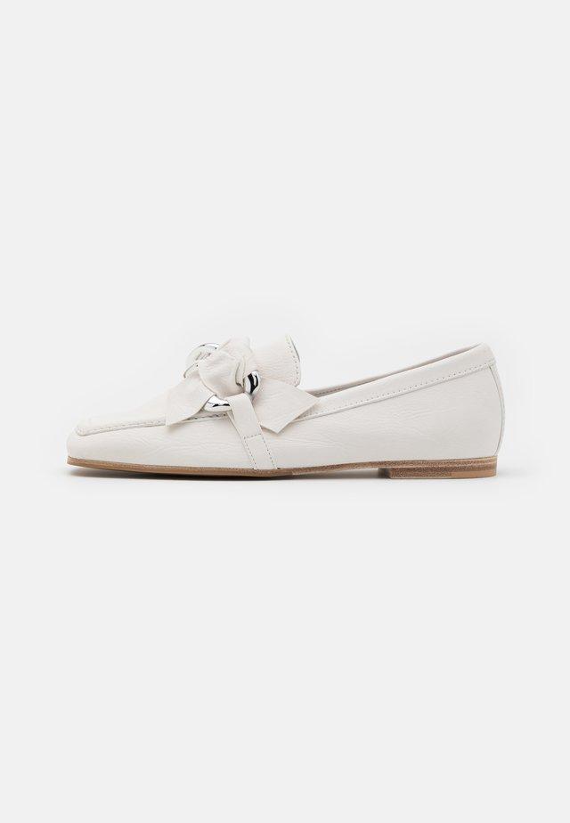 CARO - Loaferit/pistokkaat - silver