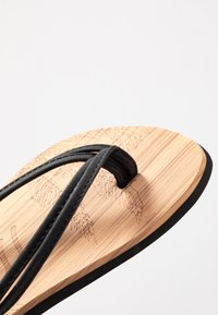 O'Neill - DITSY - T-bar sandals - black out - 2