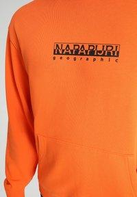 Napapijri - B-BOX HOODIE - Luvtröja - orangeade - 4