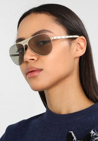 Versace - Sonnenbrille - gold-coloured - 3