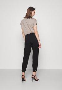 JDY - JDYPEN PANT  - Pantalones - black - 2