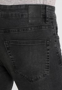 Only & Sons - ONSLOOM BLACK WASHED - Jeans Slim Fit - black denim - 3