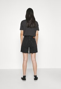 Levi's® - 501® MID THIGH SHORT - Short en jean - lunar black - 2
