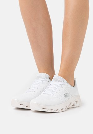 GLIDE STEP SPORT - Tenisky - white/silver