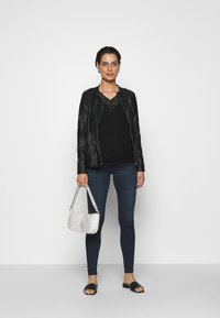 LOVE2WAIT - SOPHIA - Slim fit jeans - dark aged - 1