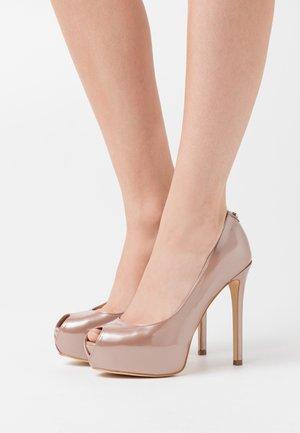 Høye hæler med åpen front - blush