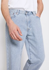Levi's® - STAY LOOSE TAPER CROP - Jeans baggy - royal stonewash - 4