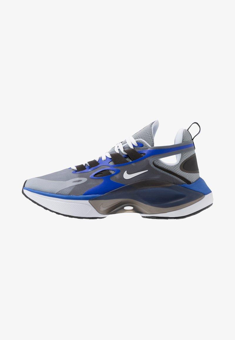Nike Sportswear - SIGNAL D/MS/X - Zapatillas - particle grey/white/racer blue/black