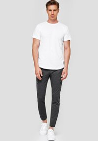 INDICODE JEANS - SUPER STRETCH ECKHART - Cargo trousers - charcoal mix - 1