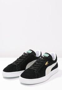 Puma - SUEDE CLASSIC+ - Sneakers - black - 2
