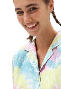 Vans - WM SPIRALING SS WOVEN - Button-down blouse - multi-coloured - 2