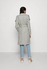 ONLY - ONLNEWPHOEBE DRAPY COAT - Zimní kabát - light grey melange - 2