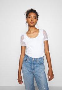 River Island - Print T-shirt - white - 0