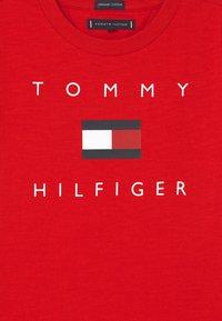 Tommy Hilfiger - LOGO - Triko spotiskem - deep crimson - 2