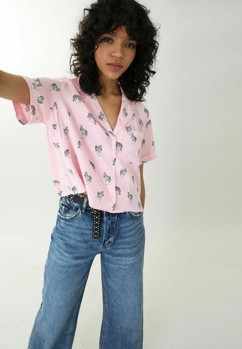 LEOPARDENMUSTER - Button-down blouse - rosa