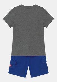 Nike Sportswear - SET UNISEX - Camiseta estampada - hyper royal - 1
