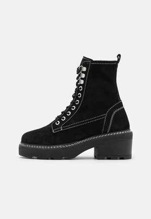 ARMOUR CHUNKY LACE UP BOOT - Botki na platformie - black
