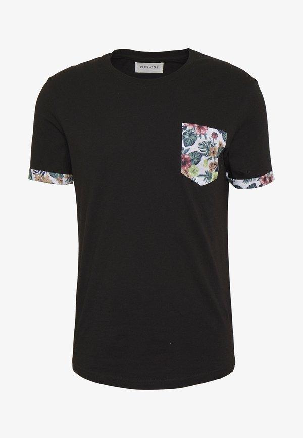 Pier One T-shirt z nadrukiem - black/czarny Odzież Męska GZGM