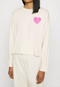 Levi's® - GRAPHIC LONG SLEEVE  - Topper langermet - neutrals - 5