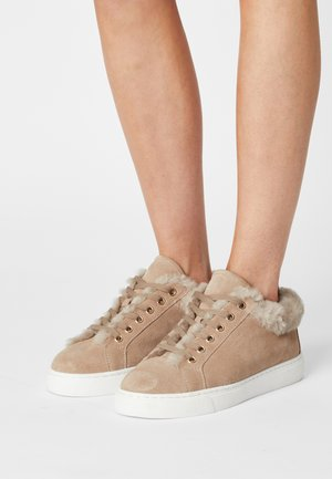 BASE  - Trainers - ivory