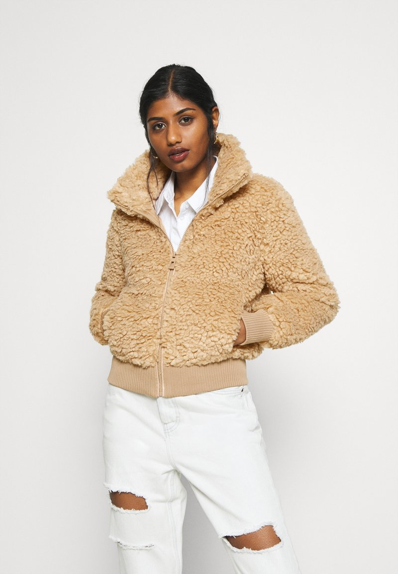 ONLY Petite - ONLELLIE SHERPA JACKET - Light jacket - cuban sand