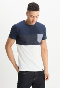 INDICODE JEANS - CLEMENS - T-shirt med print - offwhite - 0