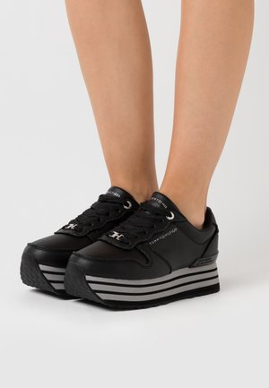 GLITTER FLATFORM  - Zapatillas - black