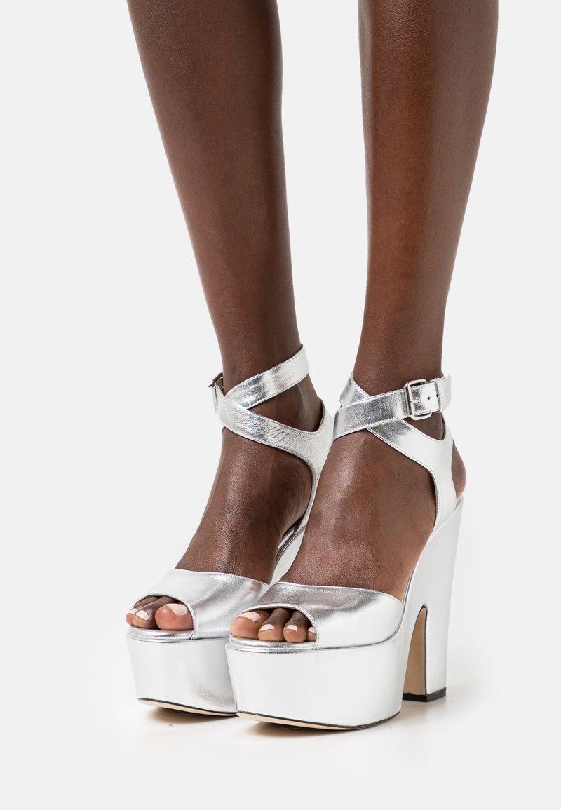 Christopher Kane - PLATFORM - High Heel Sandalette - silver