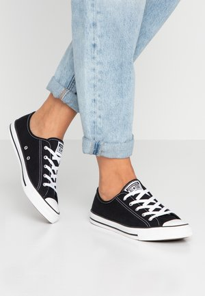 CHUCK TAYLOR ALL STAR DAINTY BASIC - Matalavartiset tennarit - black/white