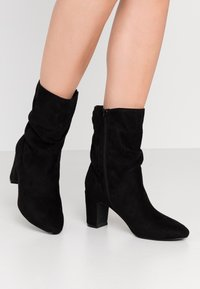 Bullboxer - Classic ankle boots - black - 0