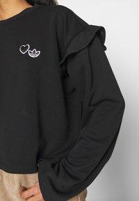 adidas Originals - CREW NECK - Camiseta de manga larga - black - 4