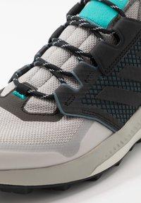 adidas Performance - TERREX TRAILMAKER - Hikingskor - grey two/core black/hi res aqua - 5