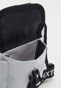 HXTN Supply - DELTA PRIME BODY BAG - Bum bag - white - 2
