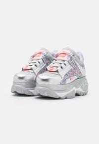 Buffalo London - Sneakersy niskie - glitter - 1