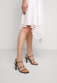 Milly - LATTICE EMBROIDERY ANNEMARIE DRESS - Cocktail dress / Party dress - white - 3