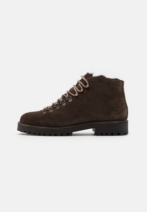 SEAN LOW HIKER - Lace-up ankle boots - brown