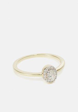 9KT YELLOW GOLD 0.26CT CERTIFIED DIAMOND HALO RING - Sormus - gold