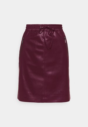 A-line skirt - berry