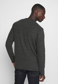 Tommy Jeans - LONGSLEEVE TEXTURE TEE - Long sleeved top - black - 2