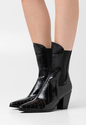 ELASTIC DETAIL BOOTS - Cowboy/biker ankle boot - black