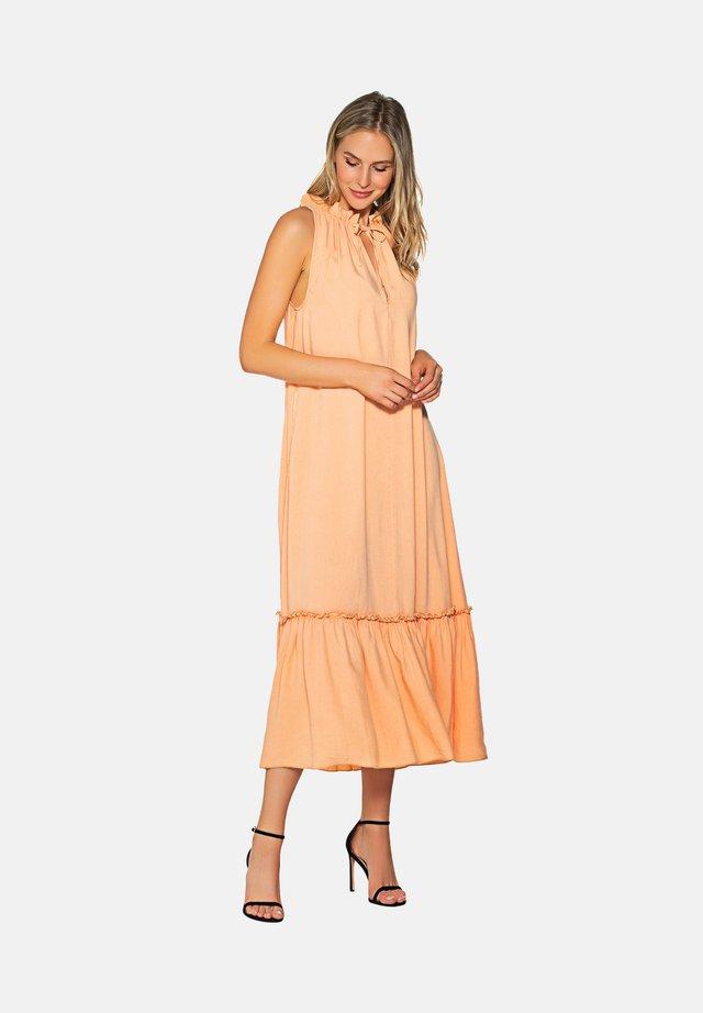 Korte jurk - peachy
