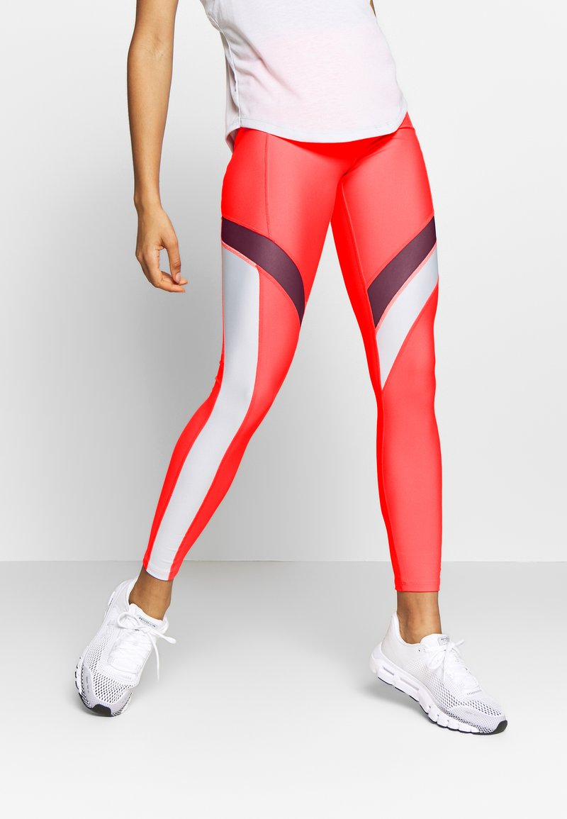 Under Armour - UA HG ARMOUR SPORT LEGGINGS - Punčochy - red/halo gray/metallic silver