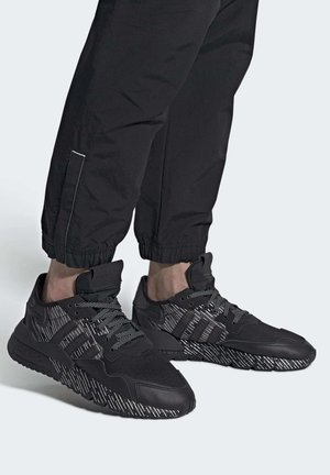 NITE JOGGER SHOES - Sneakers - black
