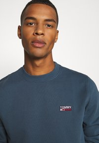 Tommy Jeans - Sweater - faded ink - 4