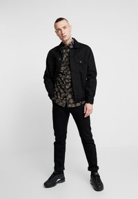 New Look - JACOBEAN FLORAL - Camicia - black - 1